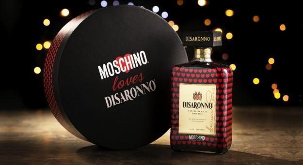 Moschino e Disaronno passano il Natale insieme
