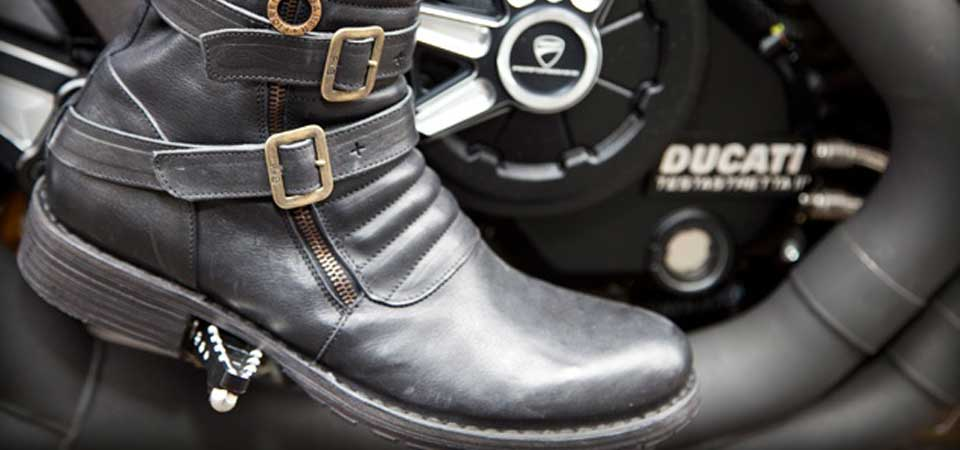 Ducati lancia il co-branding con Fiorentini + Baker