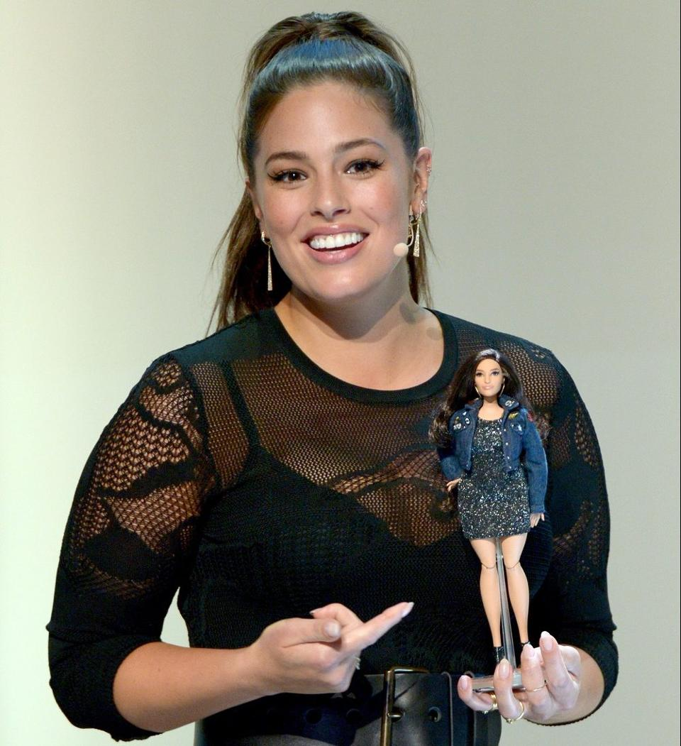 Barbie in versione curvy con Ashley Graham