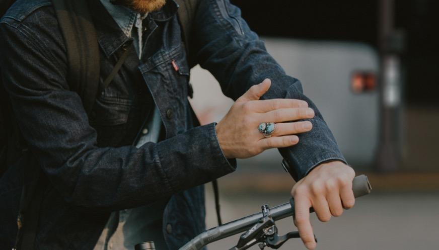 levis-commuter-trucker-jacket