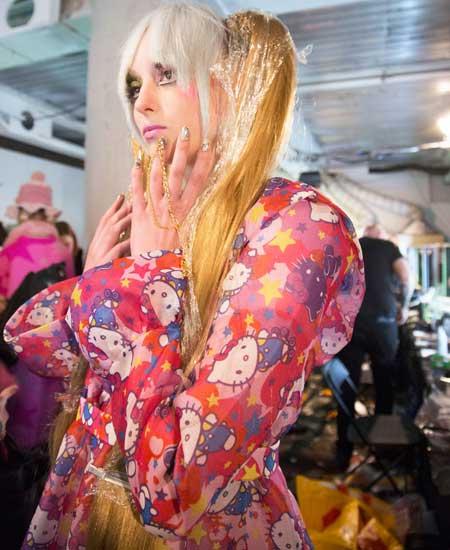 The return of Hello Kitty on the fashion scene