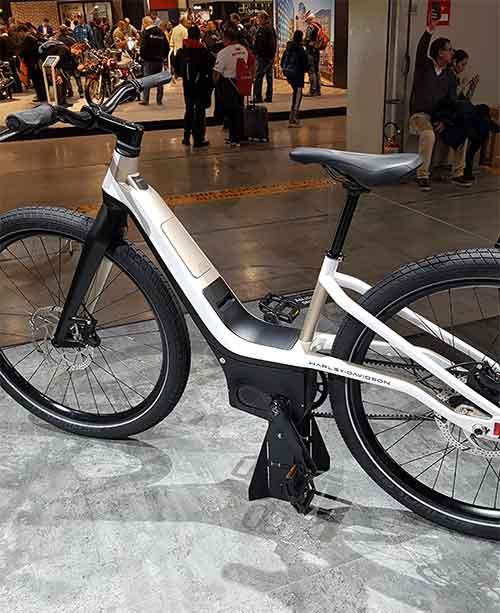Anche Harley Davidson non resiste alla bici elettrica