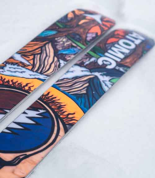 Atomic in limited edtion con i Grateful Dead